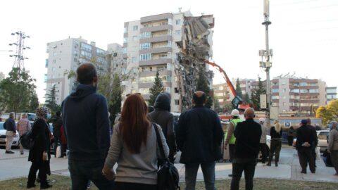11 kişiye mezar olan binada kalitesiz beton kullanılmış
