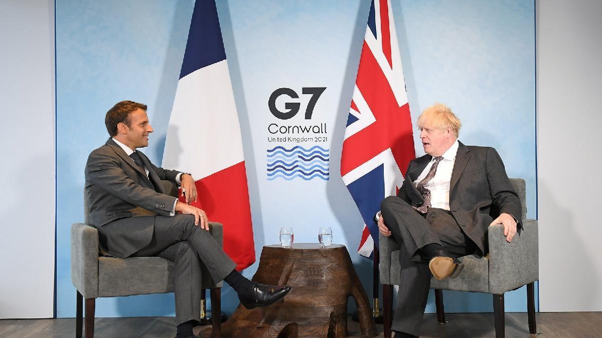 Macron'dan Johnson'a Brexit uyarısı: Anlaşmaya uyulursa ilişkiler yeniden şekillenir