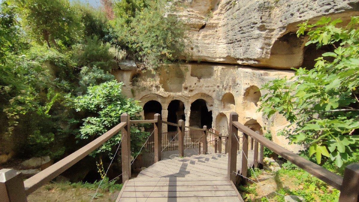Bin esirin yaptığı 'Titus Tüneli' gezginlerin gözdesi
