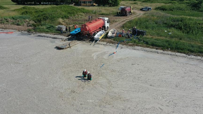 Yalova'da denizden 1 günde 170 metreküp müsilaj temizlendi