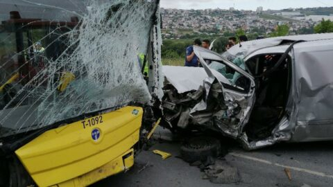 İETT otobüsüyle çarpışan aracın sürücüsü öldü