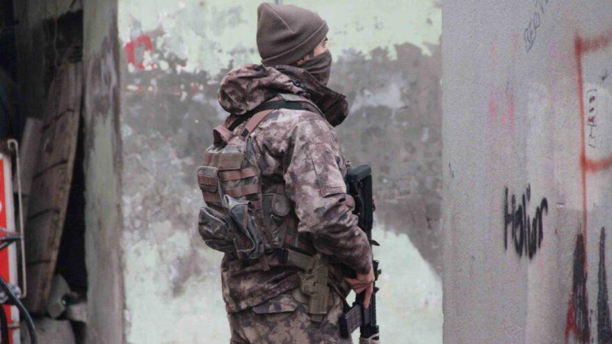 Diyarbakır'da özel harekat destekli operasyon