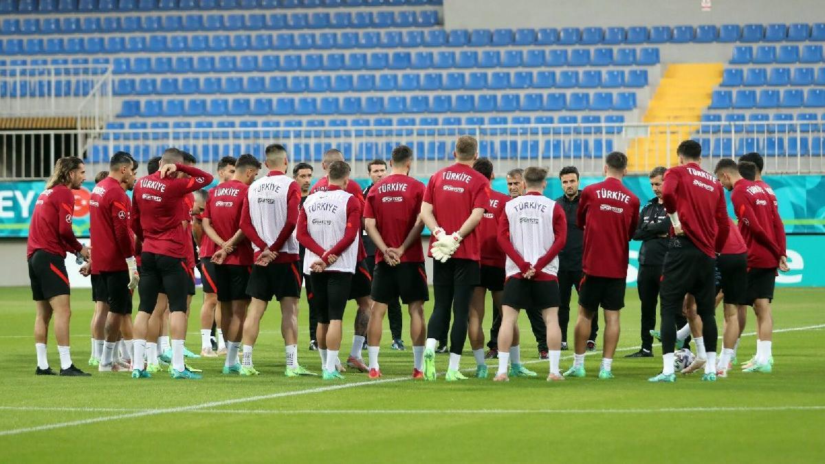 A Milli Takım'da gruptan çıkma hesapları... Galler maçına ilginç hazırlık