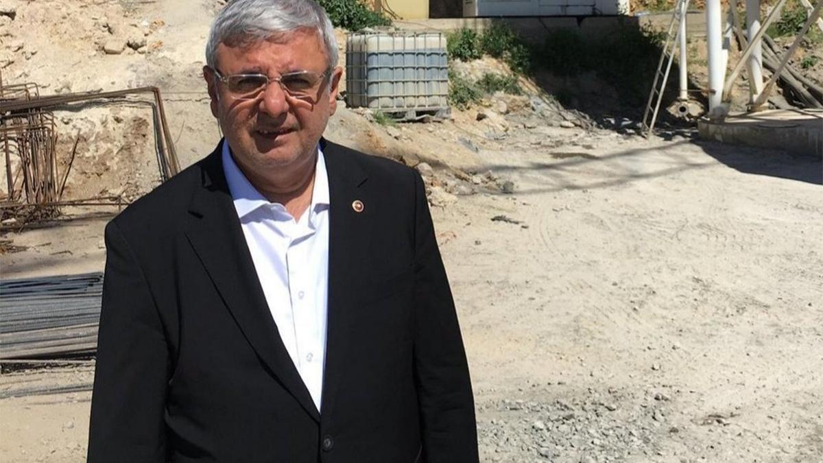AKP'li Metiner Metiner çift maaşa önce isyan etti, sonra mesajları sildi