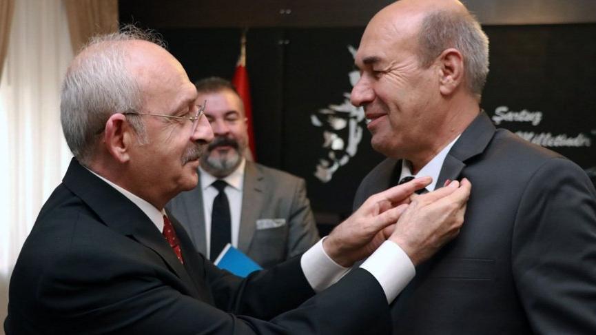Kemal Kılıçdaroğlu, Batmanlı kanaat önderlerine CHP rozetini taktı