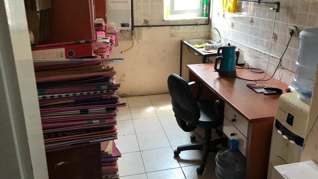 'İcra dosyaları odalardan taştı, mutfağa raflar kuruldu'