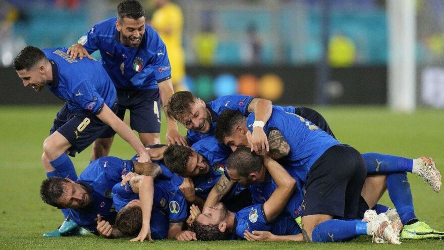İtalya, İsviçre'ye acımadı, 2. Tur'a yükselmeyi garantiledi: 3-0   EURO 2020 A Grubu