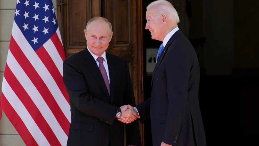 Dünya merakla bekliyordu: Biden-Putin bir araya geldi