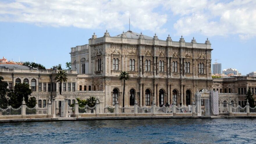 Mahmut Tanal: Dolmabahçe'nin altın vazoları nerede?