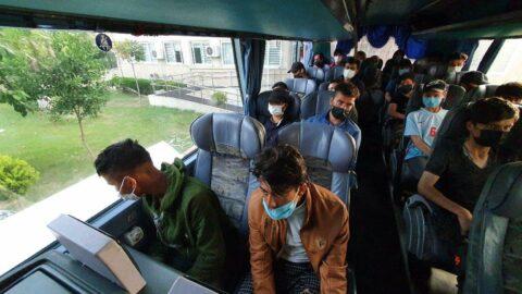 Yolcu otobüsünde 45 kaçak göçmen yakaladı...