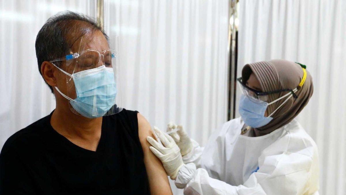 Endonezya'da Sinovac aşısı olan yüzlerce sağlık personeli corona virüsüne yakalandı