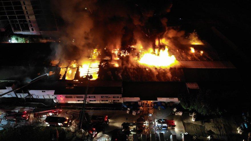 Kağıt ve ambalaj fabrikasında yangın! Maddi hasar büyük