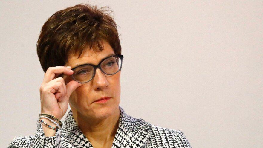 Savunma Bakanı Kramp-Karrenbauer: Alman ordusunun itibarı tehlikede