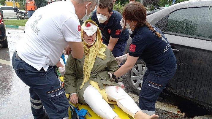 Davutoğlu'nun konvoyunda kaza: Genel Başkan Yardımcısı yaralandı