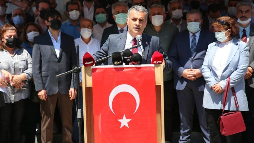 Silahlı saldırıya uğrayan Yomra Belediye Başkanı: Belki bu kalabalık cenaze için toplanacaktı