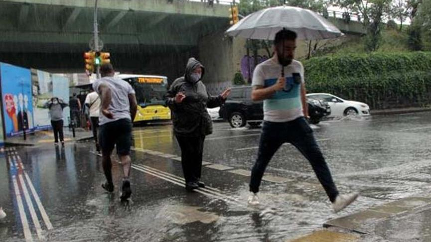 İstanbul'da 17 noktada su baskınına müdahale edildi