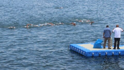 Dünya sağlık çalışanları için Sochi'den Giresun'a yüzdüler