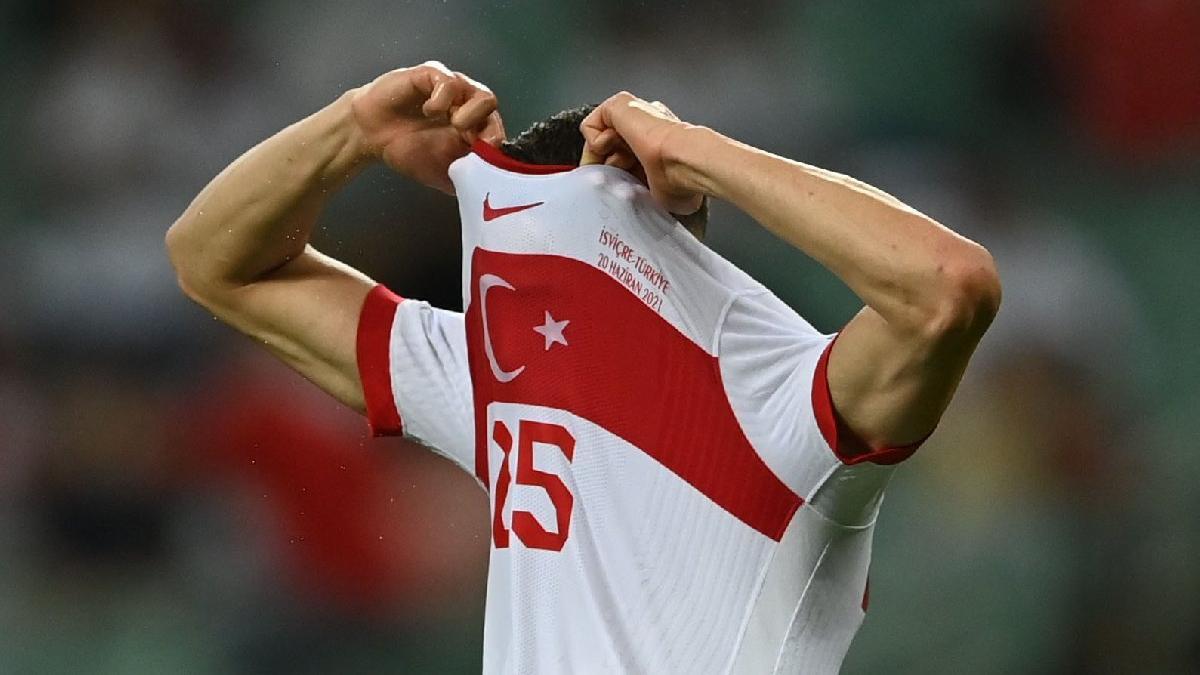 EURO 2020'ye veda eden A Milli Takım'a tepki büyük: 'Bizim ruhsuzlar'