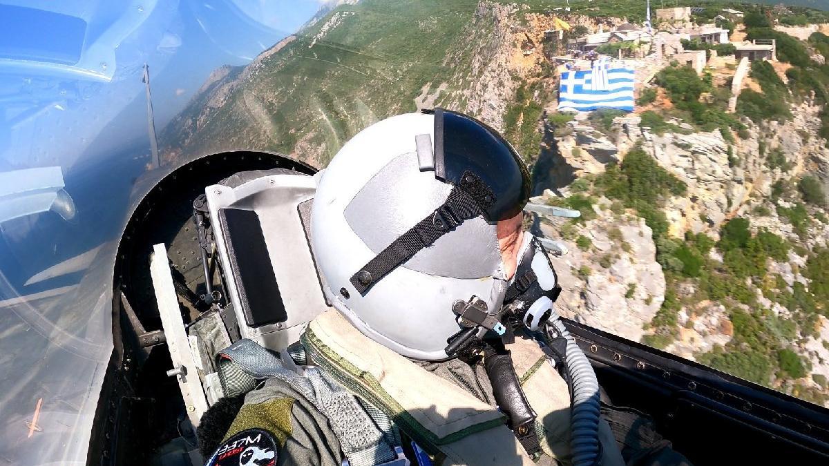 Yunanistan Genelkurmay Başkanı Floros'tan tahrik uçuşu