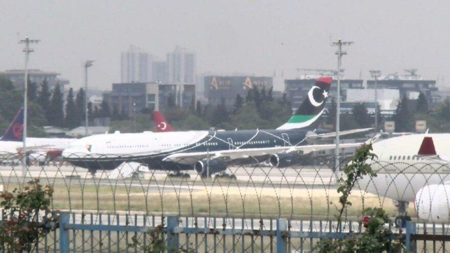 Kaddafi'nin uçağı İstanbul'dan ayrıldı