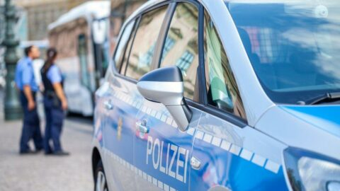 Berlin'de nargile kafe önünde silahlı saldırı