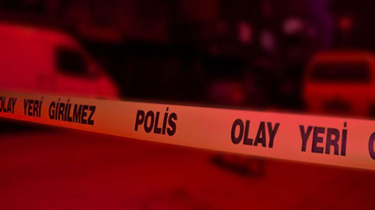 Dövüp parka bıraktıkları 3 çocuk babası öldü