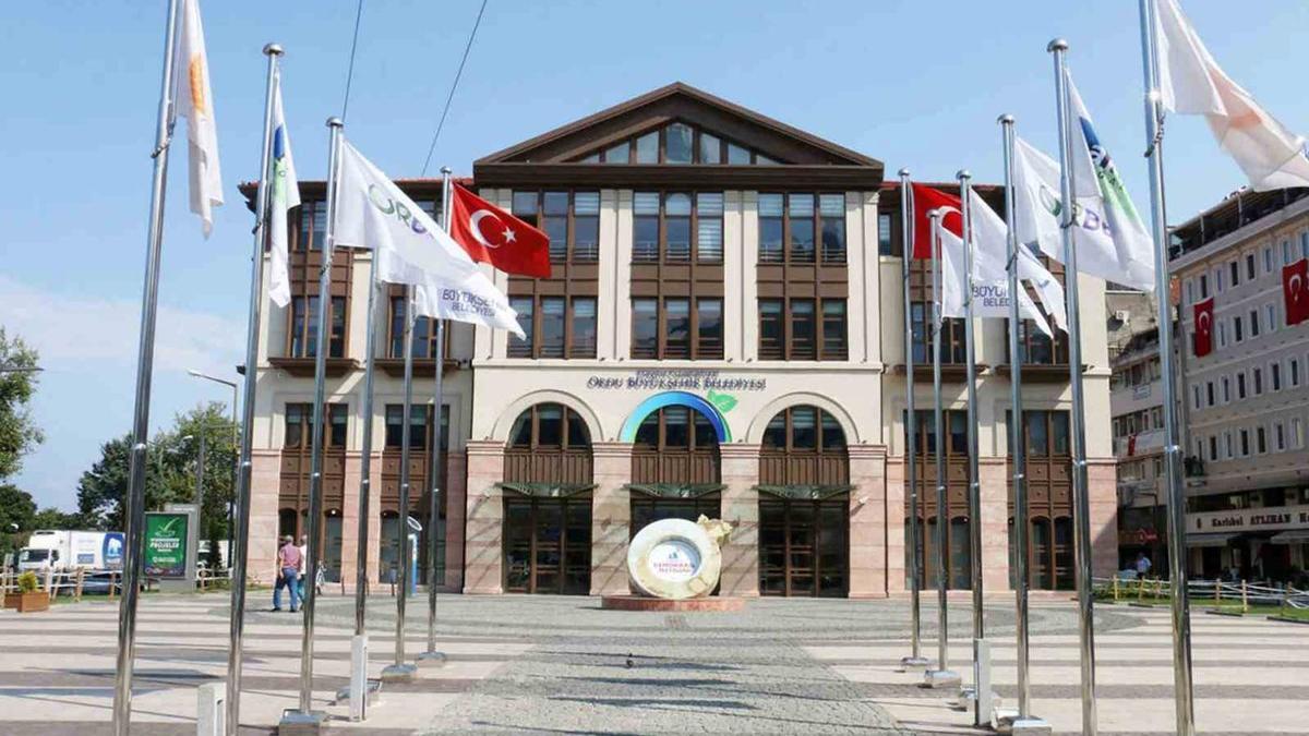 AKP'li belediyeye zor soru: 700 bin lira kimin cebinde?