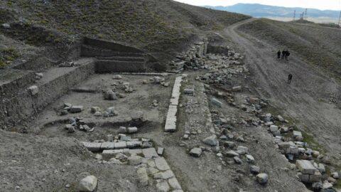 7 bin kişilik Apameia antik tiyatrosu gün yüzüne çıkıyor