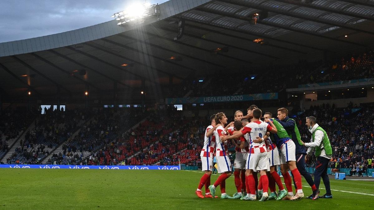 Hırvatistan 1 gol farkla turladı, İskoçya veda etti | EURO 2020 D Grubu