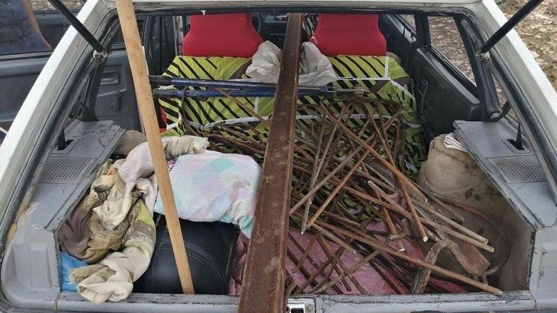 Bin 500 TL'lik demir çalarken yakalandı, 900 TL'lik maske cezası yedi