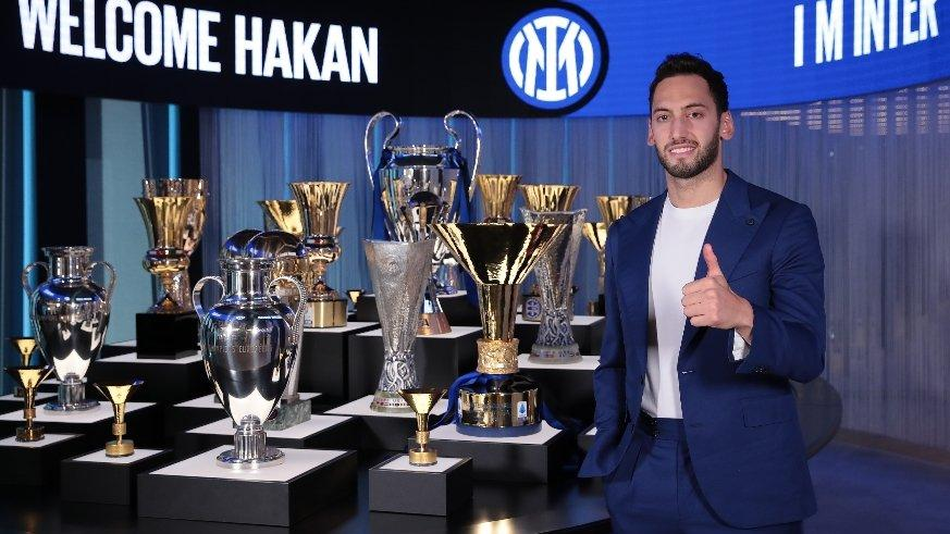 Inter, Hakan Çalhanoğlu transferini duyurdu