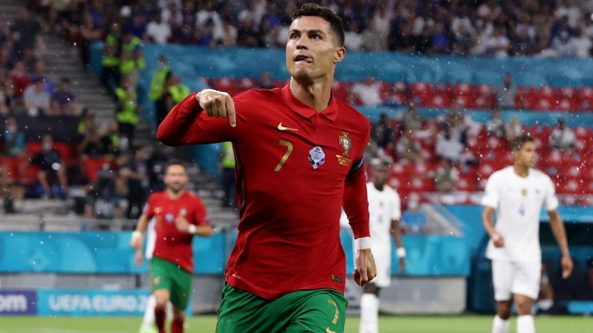 Rekor adam Cristiano Ronaldo! Tarih yazdı...