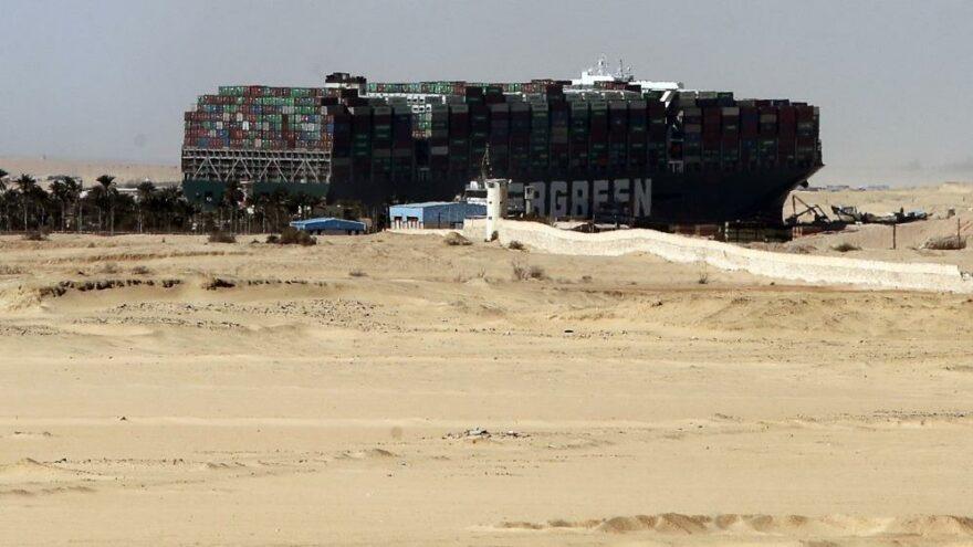 Süveyş Kanalı'ndaki gemi krizinde anlaşma sağlandı