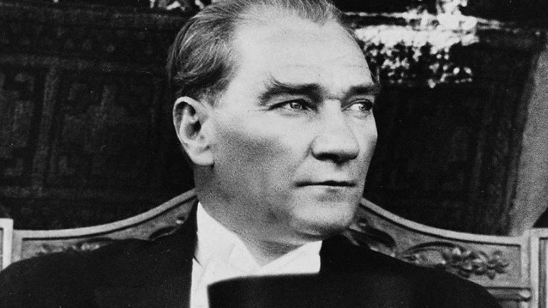 Atatürk heykelleriyle gündeme gelen Murat Daşkın'dan büyüleyici gerçekçi heykeller