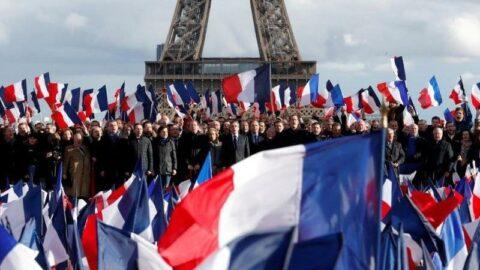 Fransa'da günlük vaka sayısı 2 bin civarında