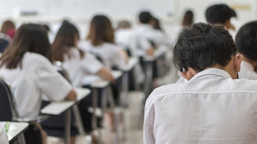 Üniversite sınavı milyonları öğüttü!
