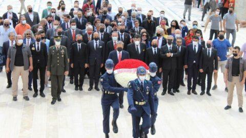 Galatasaray Başkanı Burak Elmas ve yönetim kurulu Anıtkabir'i ziyaret etti