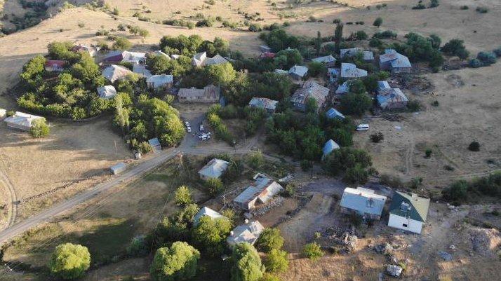Deprem en çok Elazığ'ı etkiledi... Hasar gün ağarınca ortaya çıktı