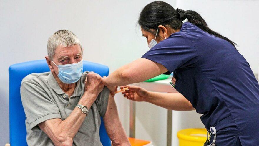 İngiltere'den 'bağışıklık duvarı' hamlesi: Grip ve corona aşısında üçüncü doz aynı anda