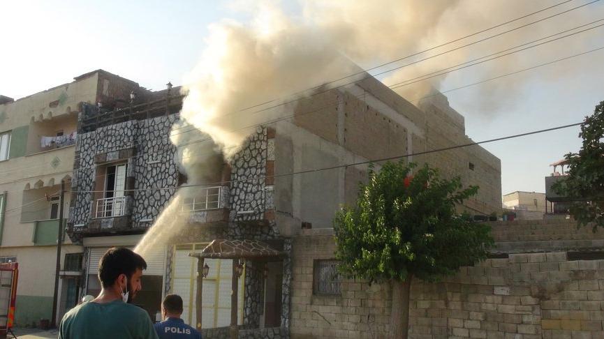 Boşanma aşamasında olan kadın evini ateşe verdi