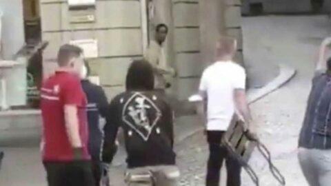 Almanya'da bıçaklı saldırgan şoku