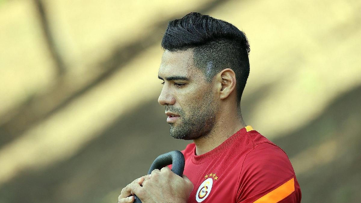 Galatasaray'da Radamel Falcao'dan geri adım!