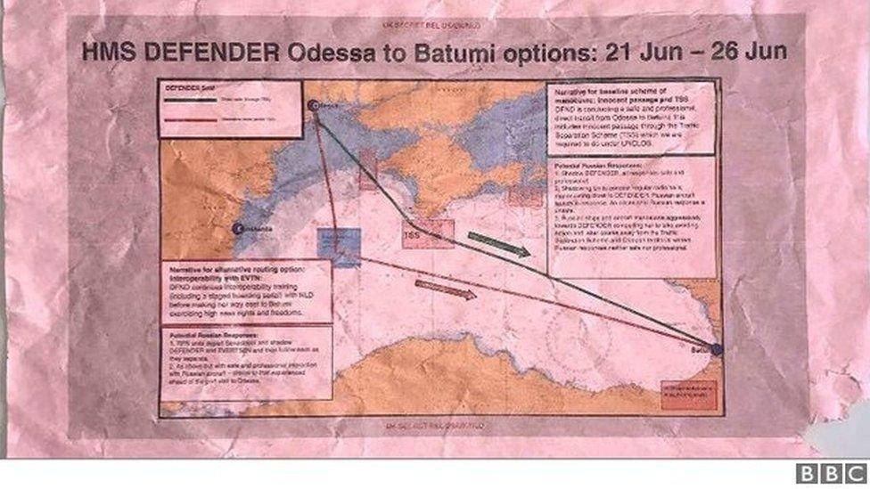 İngiltere'nin gizli Karadeniz savaş planı otobüs durağında bulundu