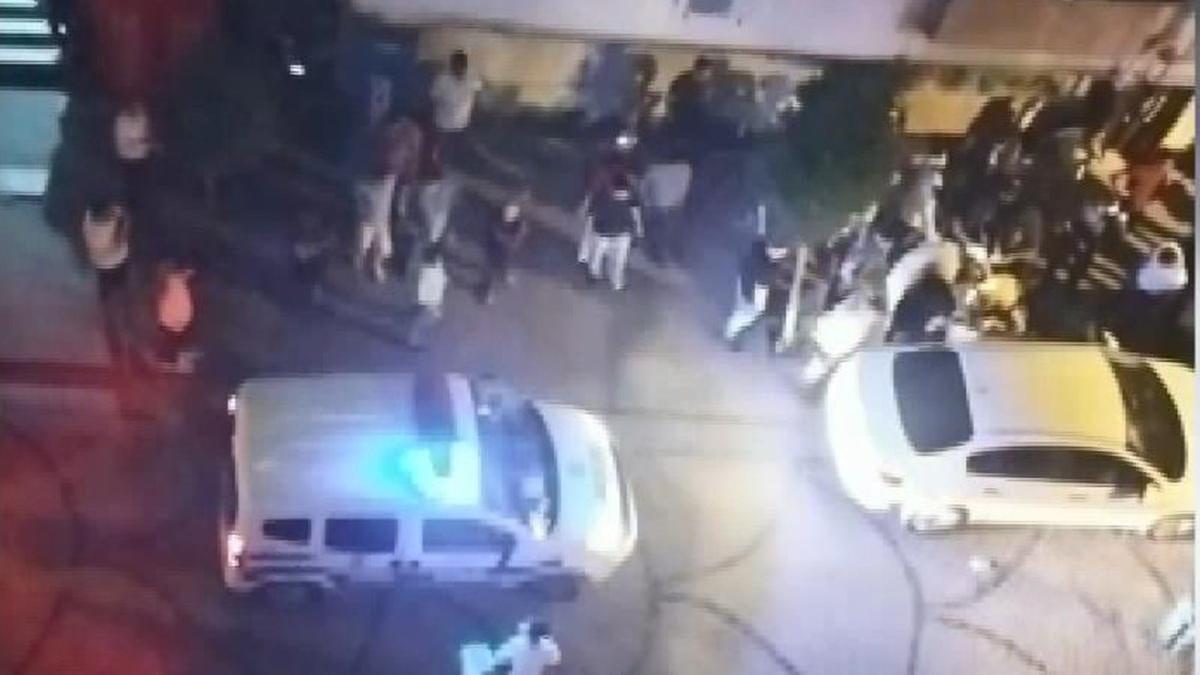 İki grup arasında silahlı kavga