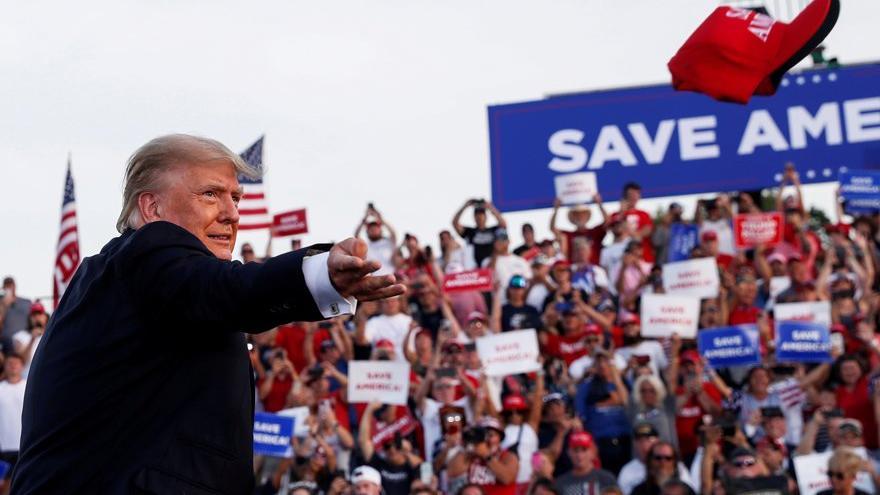 Trump'tan 2022 sinyali: İlk kez mitinge katıldı