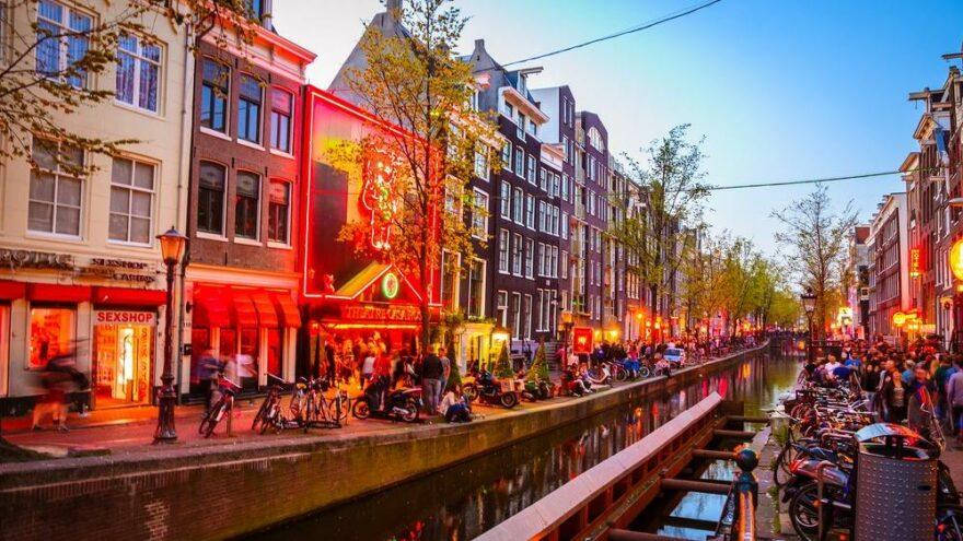 Amsterdamlı yetkililer: Buraya gelmeyin