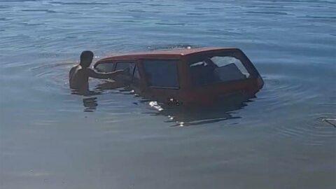 Balık tutmaya gittiği barajdan balık yerine otomobilini çıkardı
