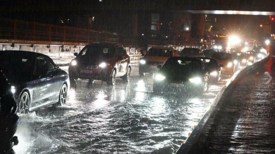 Almanya sular altında kaldı: Şiddetli fırtına ve yağış
