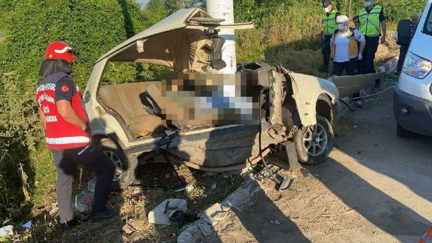 Ortadan ikiye bölünen araçtan cansız bedeni çıktı
