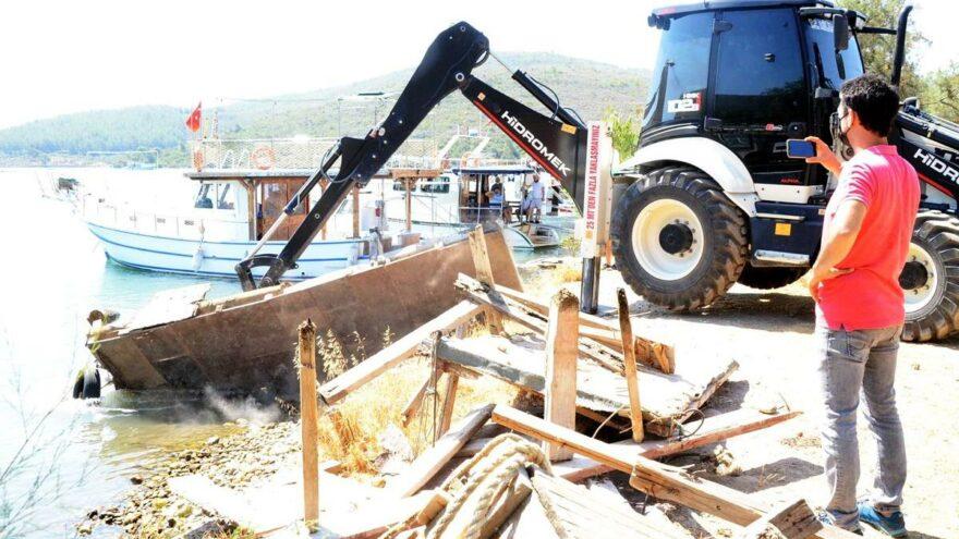 Rant uğruna doğal limandaki iskeleleri söktüler, balıkçılar açıkta kaldı